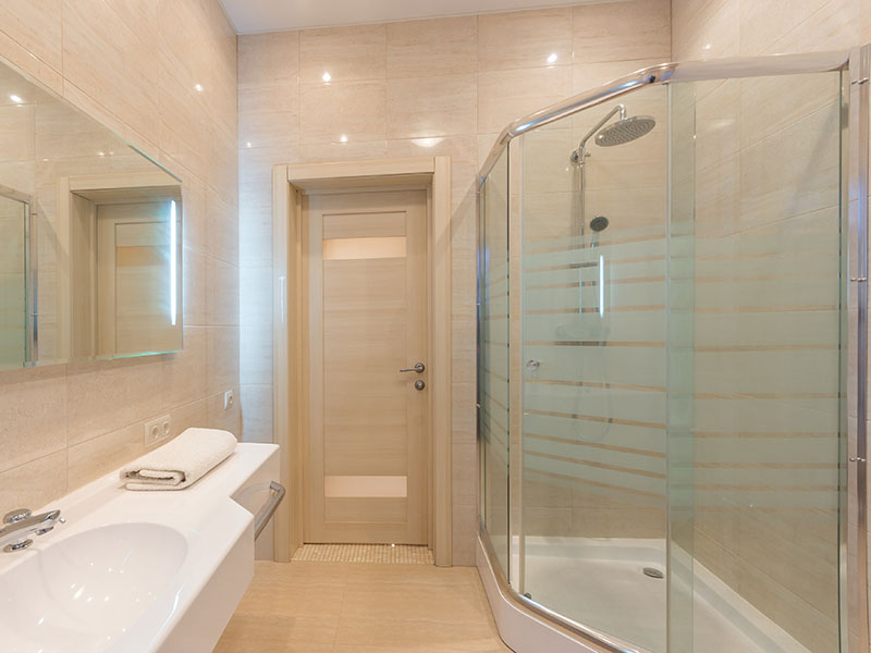 Decorative shower privacy glass